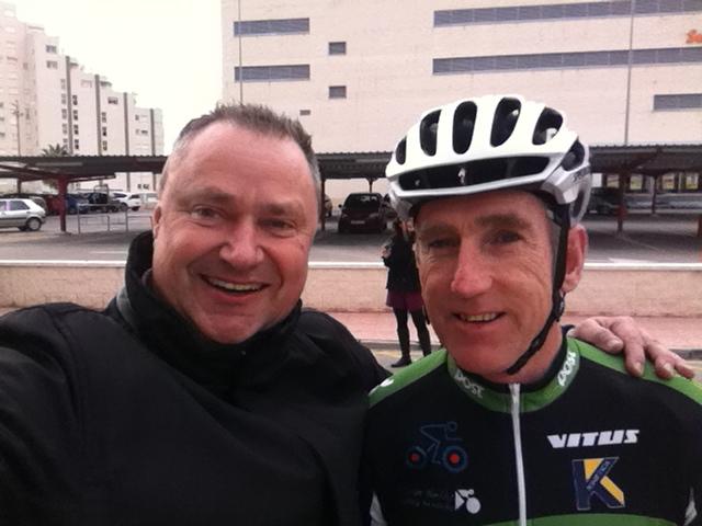 """WOW…voy por la calle de Calpe y me choco con un ganador de la Vuelta a España """"Sean Kelly"""", Mario Schumacher Blog"""
