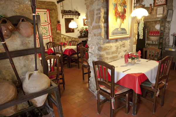 """Ein Klassiker: Restaurant """"El Santo"""" in der Altstadt von Calpe (Spanien), Mario Schumacher Blog"""